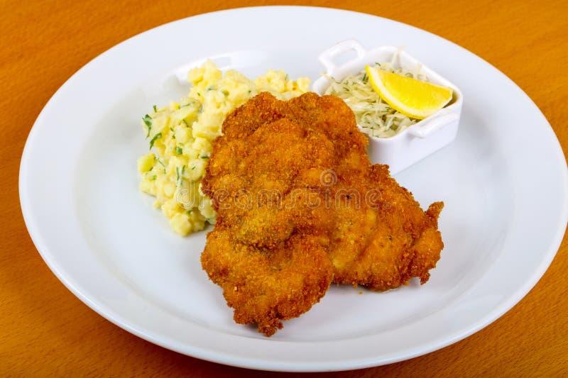 Tsjechische keuken - schnitzel stock fotografie