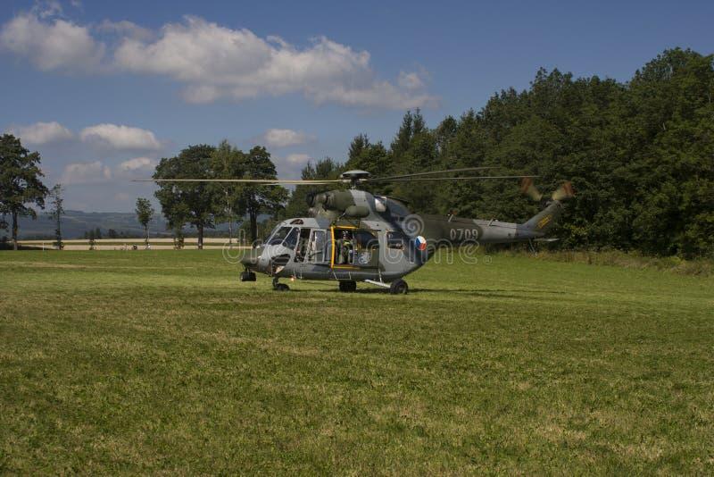 Tsjechische Luchtmacht w-3A SOKOL multifunctionele helikopter stock foto's