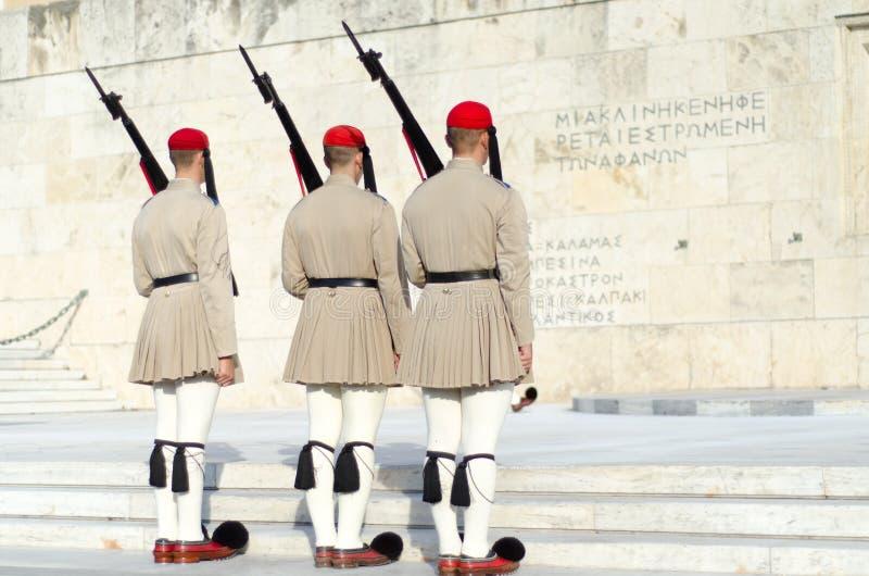 Tsolias eller bekant som Evzones är Greeces den historiska presidents- vakten Syntagma arkivbild