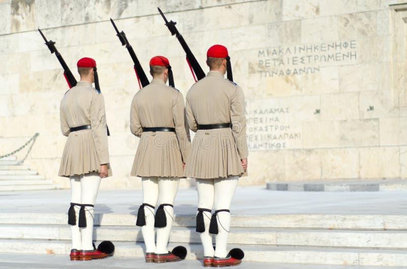 Tsolias lub zna jako Evzones jest Greeces gwardii prezydenckiej historycznym Syntagma fotografia stock