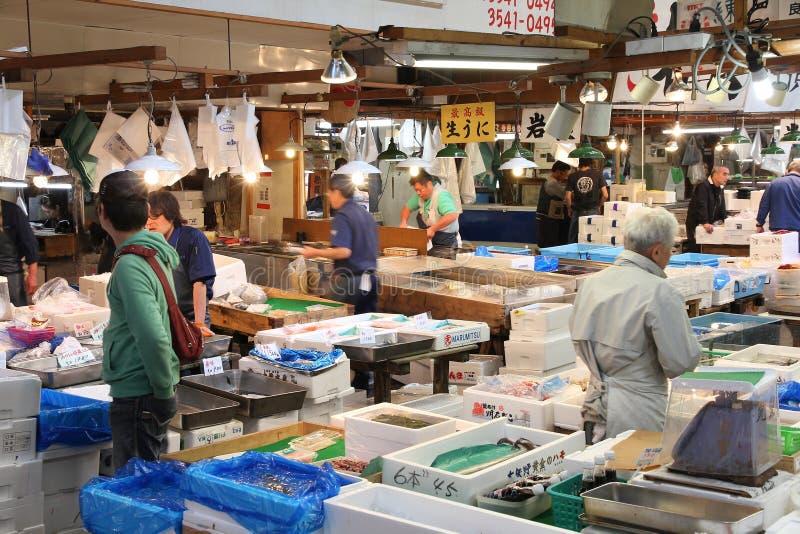 Tsukiji fiskmarknad royaltyfri foto