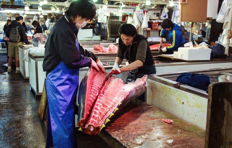Tsukiji fiskmarknad i Tokyo royaltyfri fotografi