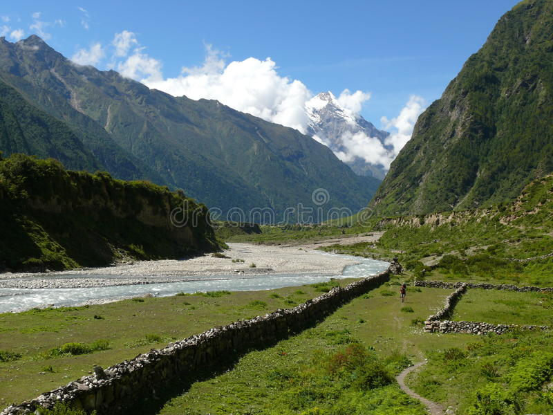 Tsum dolina - Syar Khola rzeka zdjęcie royalty free