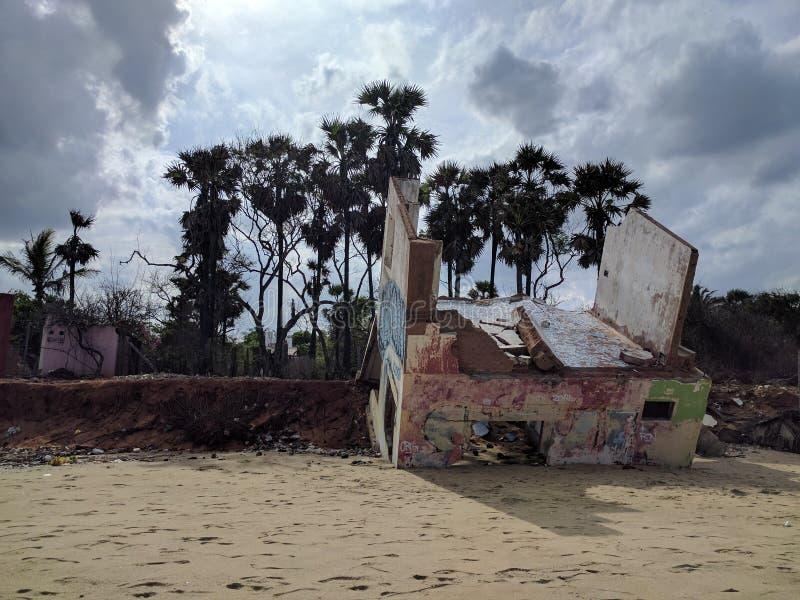 Tsunami e Auroville fotos de stock