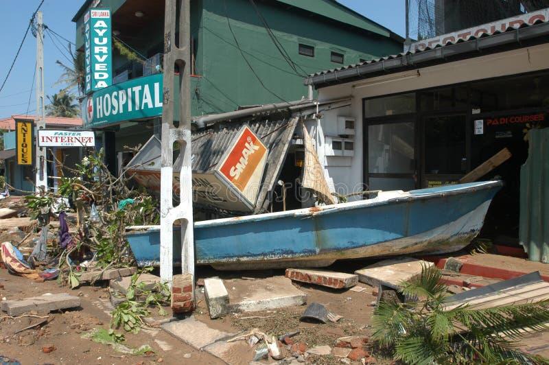 Tsunami van 26 december 2004 in Hikkaduwa stock afbeeldingen