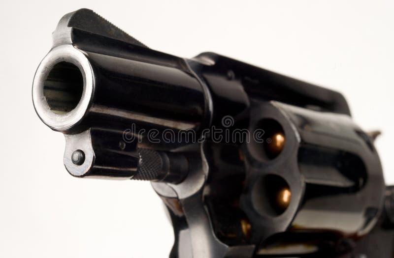 Tube de canon chargé par pistolet de cylindre de revolver de 38 calibres dirigé photographie stock libre de droits