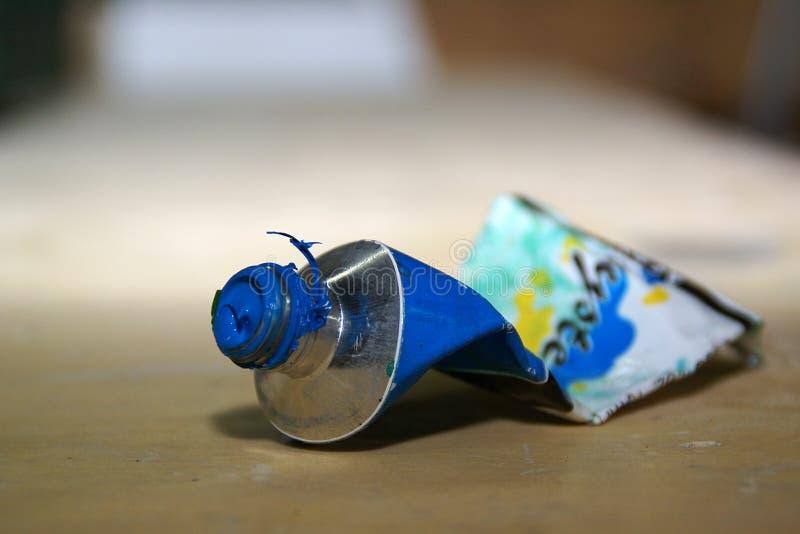 Tube de peinture photographie stock libre de droits