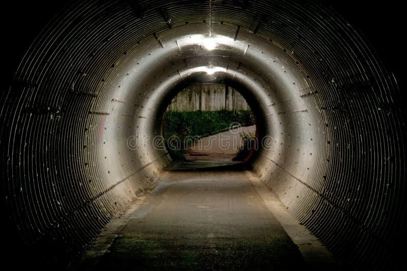 Tube lumineux historique en métal photographie stock libre de droits