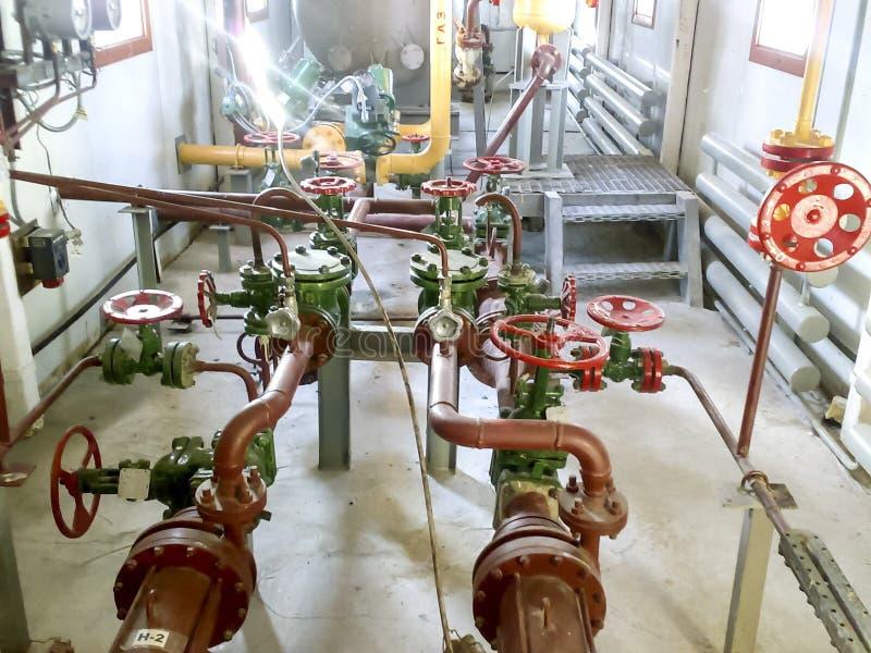Tubería tecnológica de la tubería de la bomba para la evacuación del condensado del gaseoducto fotos de archivo libres de regalías