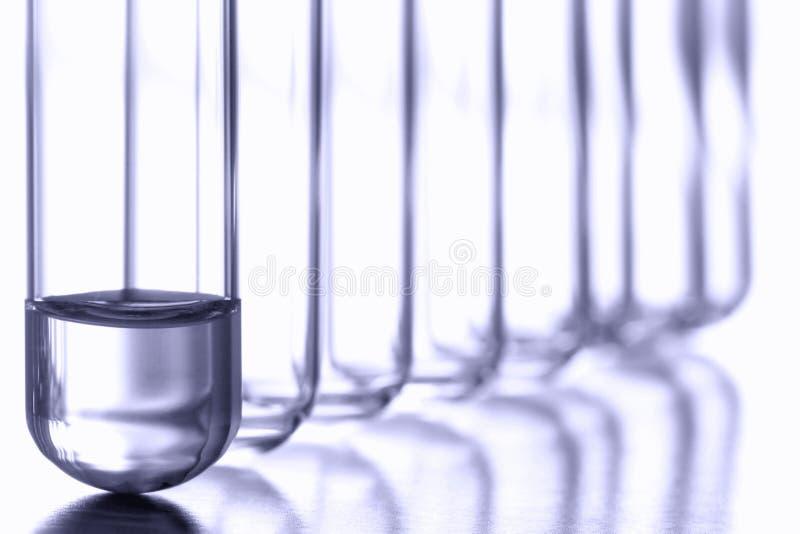 Tubes à essai dans le laboratoire de recherches de la Science photographie stock libre de droits