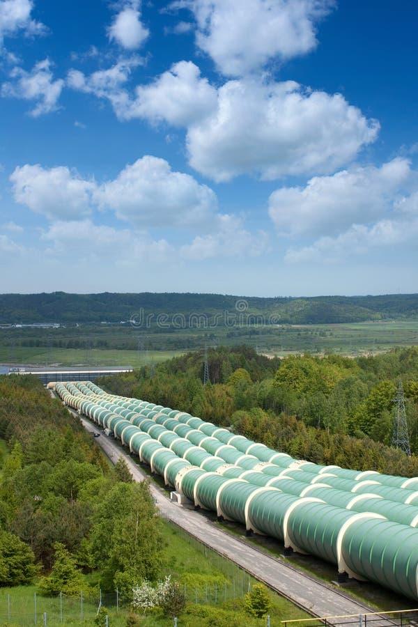 Tubi della pianta di energia idroelettrica fotografia stock libera da diritti