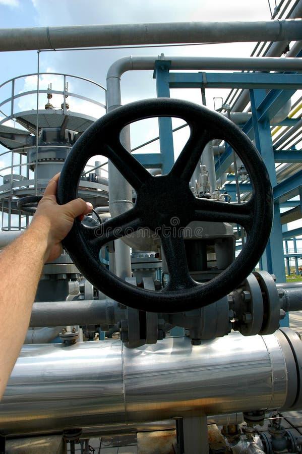 Tubi di gas e valvole di sicurezza fotografia stock libera da diritti