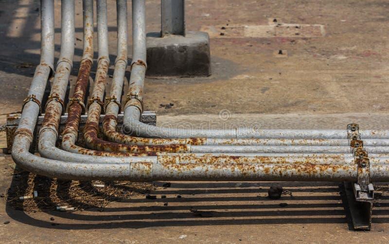Tubi e valvole del sistema antincendio immagini stock