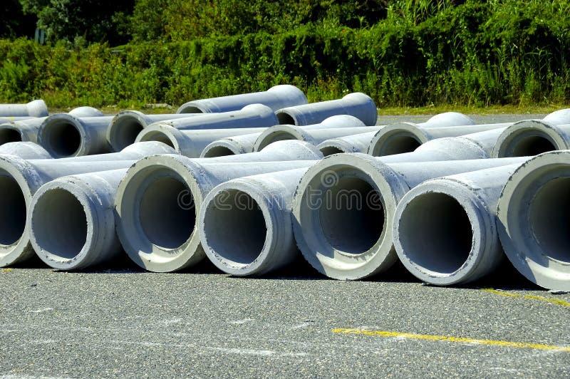 Download Tubi per fognatura immagine stock. Immagine di convoglio - 221781