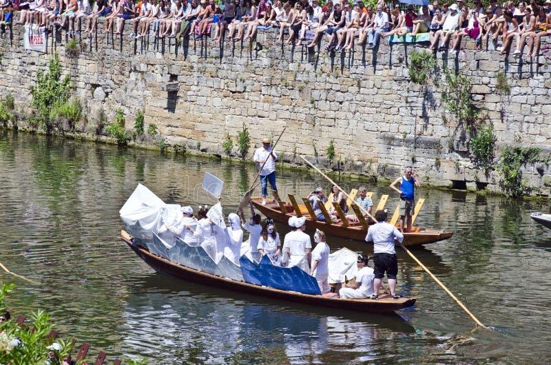 Tubingen Tuebingen - Boote auf Fluss Neckar lizenzfreie stockbilder