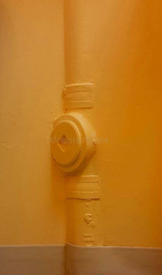 Tubo amarillo fotos de archivo libres de regalías
