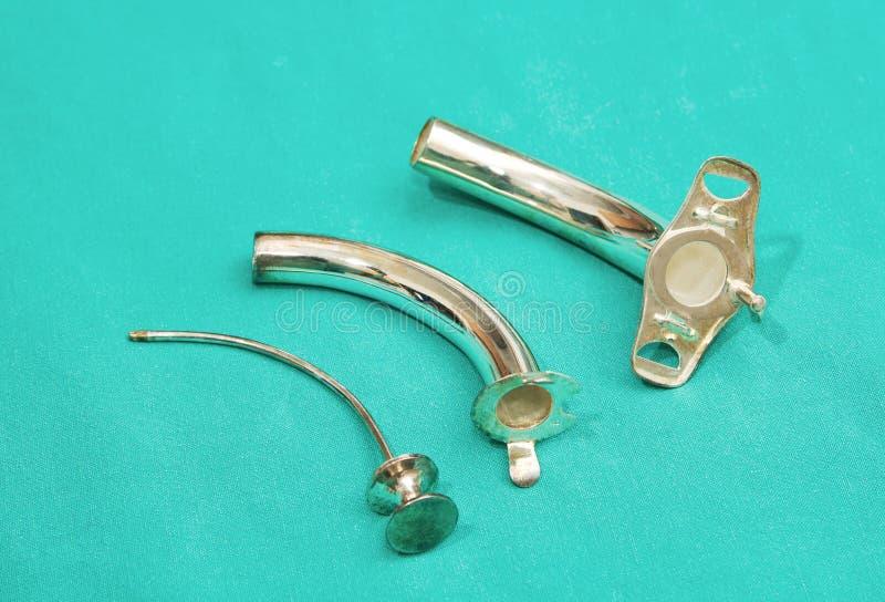 Tubo d'argento del tracheostomy fotografia stock libera da diritti