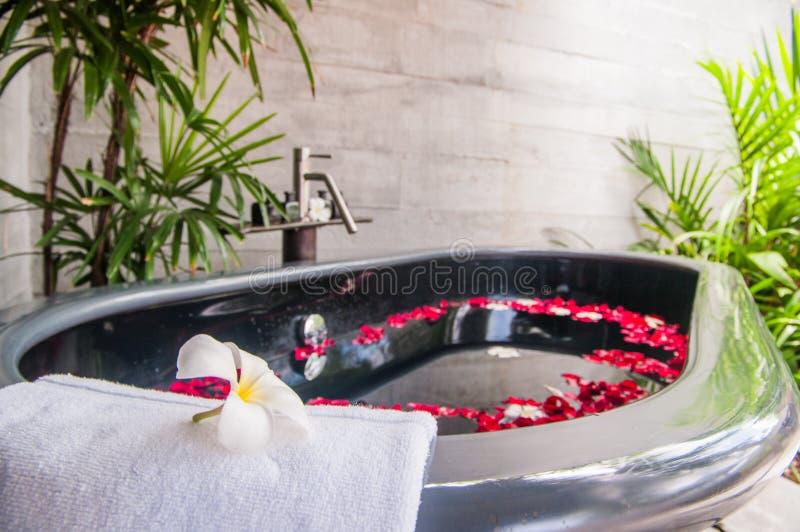 Tubo del baño en un balneario foto de archivo libre de regalías