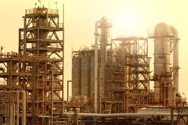 Tubo exterior da instalação petroquímica e da refinaria de petróleo para o produc imagens de stock