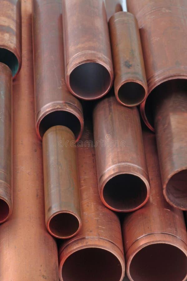 Tubos de cobre imágenes de archivo libres de regalías