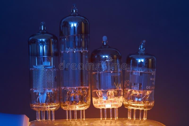 Tubos de elétrons foto de stock