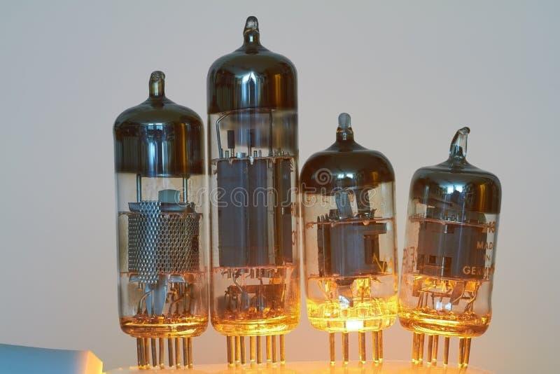 Tubos de elétrons fotos de stock