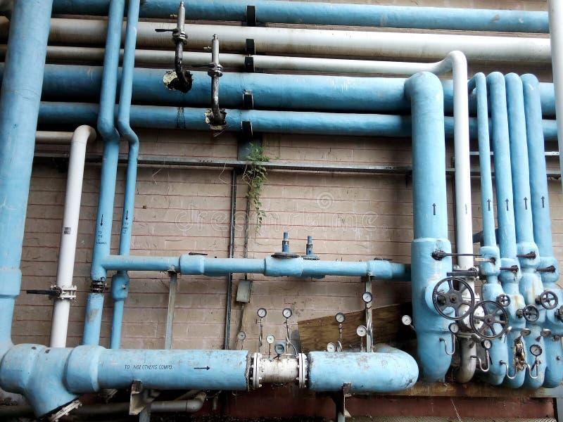 Tubos de enfriamiento de la fábrica foto de archivo libre de regalías