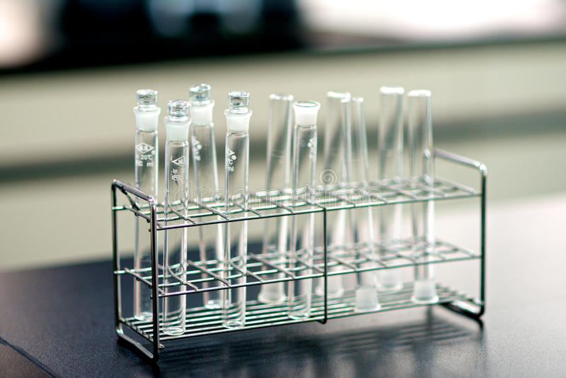 Download Tubos De Ensayo Vacíos Del Laboratorio Imagen de archivo - Imagen de científico, chemical: 41914733