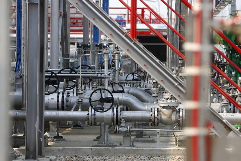 Tubos de gas licuados de aceite fotografía de archivo