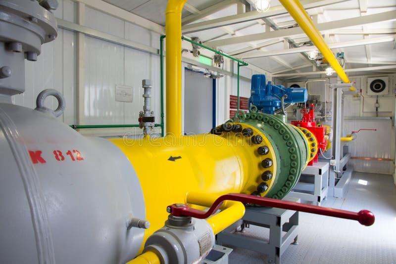 Tubos de la central eléctrica fotos de archivo