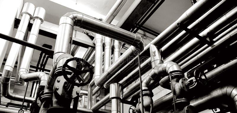 Tubos de la industria y sistemas de la industria fotografía de archivo libre de regalías
