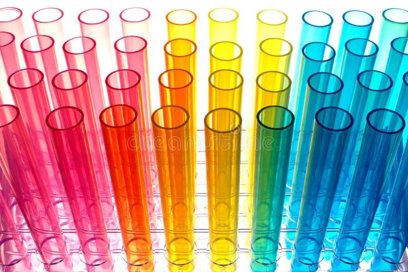 Tubos de prueba en laboratorio de investigación de la ciencia fotos de archivo