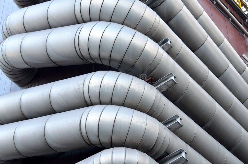 Tubos grandes para el transporte del agua foto de archivo libre de regalías