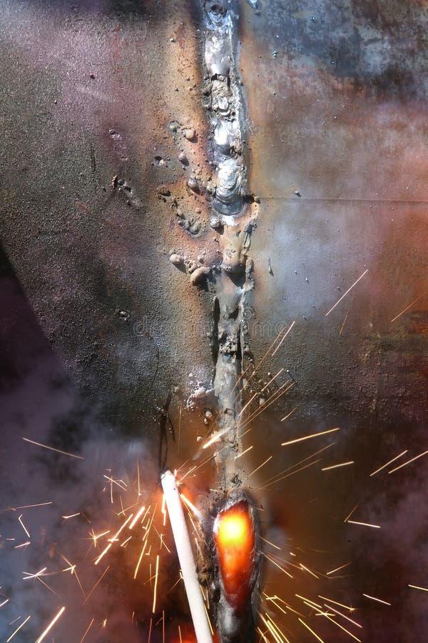 Tubulação do metal de soldadura fotografia de stock royalty free