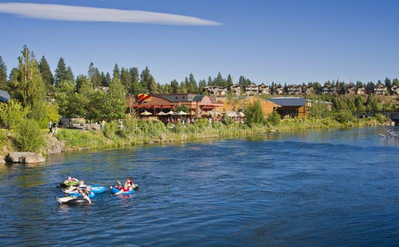 Tubulação o rio de Deschutes, curvatura, Oregon imagens de stock royalty free