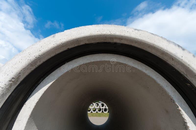 Tubulações concretas da drenagem fotos de stock royalty free