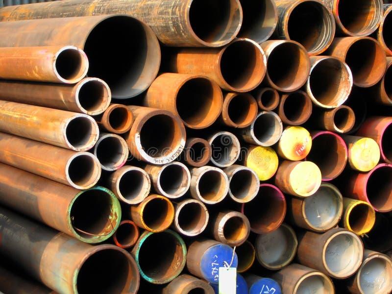 Tubulações de aço oxidadas foto de stock