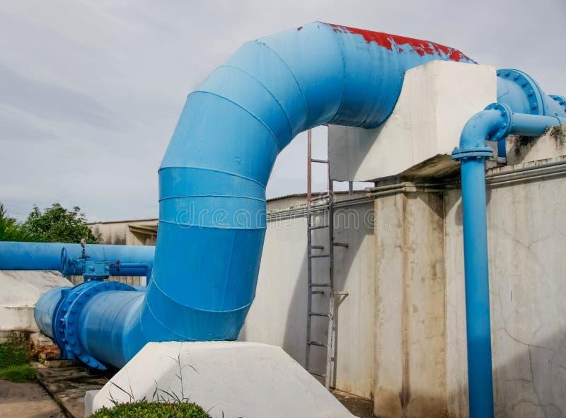Tubulações de uma água de irrigação fotografia de stock