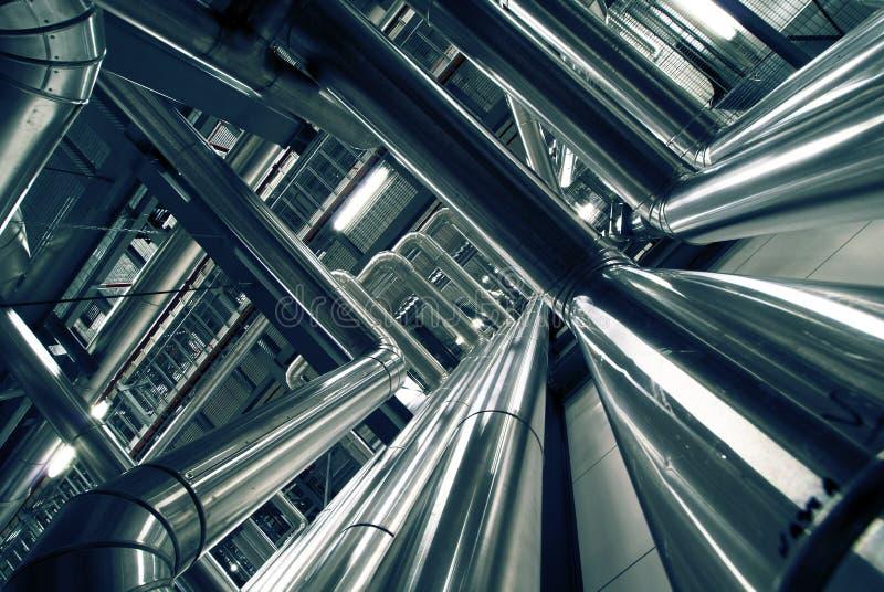 Download Tubulações E Válvulas Em Uma Central Energética Foto de Stock - Imagem de conexão, cilindro: 16852968