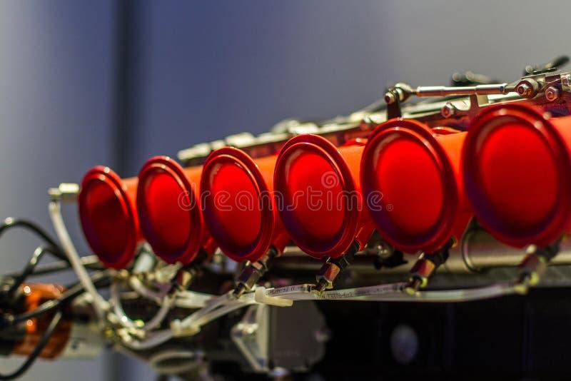 Tubulações vermelhas do motor fotos de stock