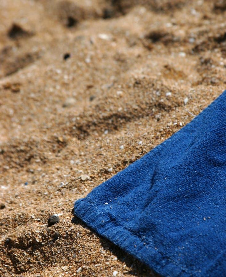 Tuch auf dem Strand stockbilder