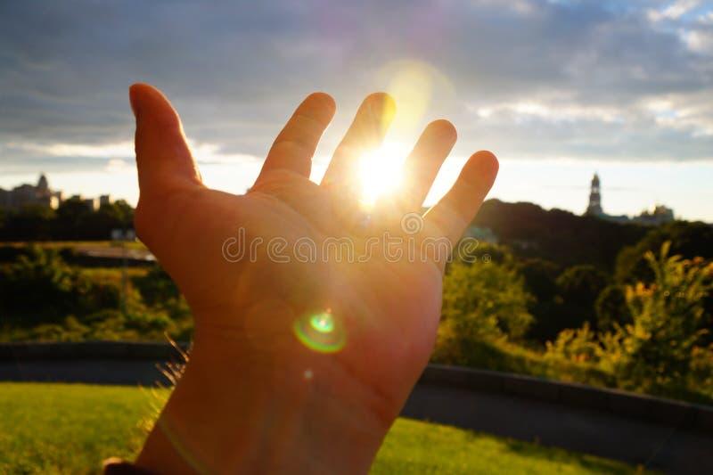 Tuch die Sonne lizenzfreie stockfotos
