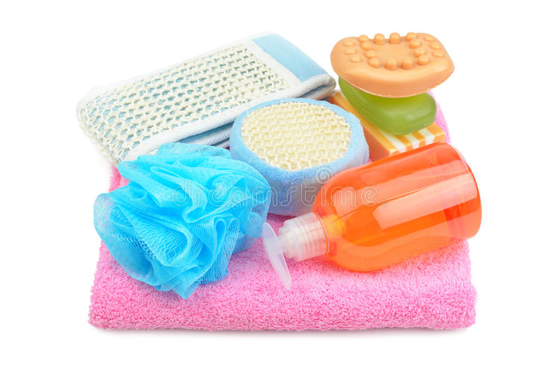 Tuch, Seife, Shampoo und Schwamm stockbild