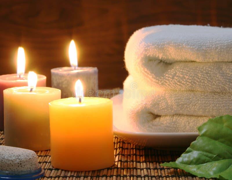 Tuch und Kerzen lizenzfreie stockfotos