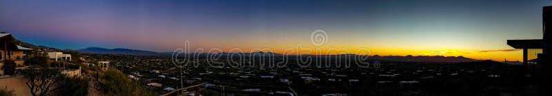 Tucson, Arizona zmierzchu panorama zdjęcie royalty free