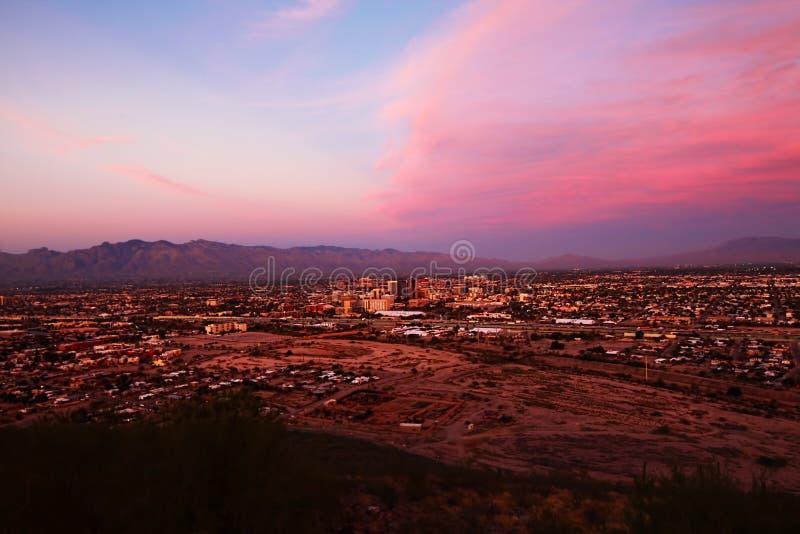 Tucson centrum miasta przy zmierzchem obraz stock