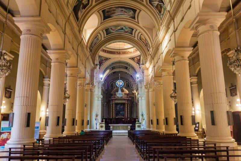 TUCUMAN ARGENTYNA, KWIECIEŃ, - 4, 2015: Wnętrze katedra w San Miguel de Tucuman mieście, Argenti obraz stock