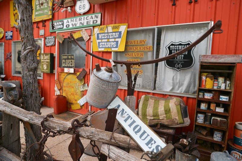 Tucumcari, New Mexiko, USA, am 25. April 2017: Geisterstadt von Tucumcari führte einzeln auf lizenzfreies stockfoto