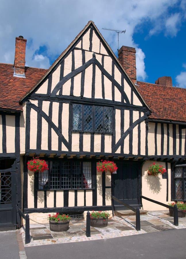 tudor английской дома старое стоковое фото rf