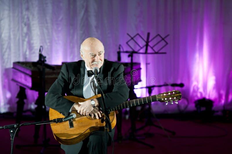 Tudor Gheorghe no concerto em Slatina, Romania fotos de stock